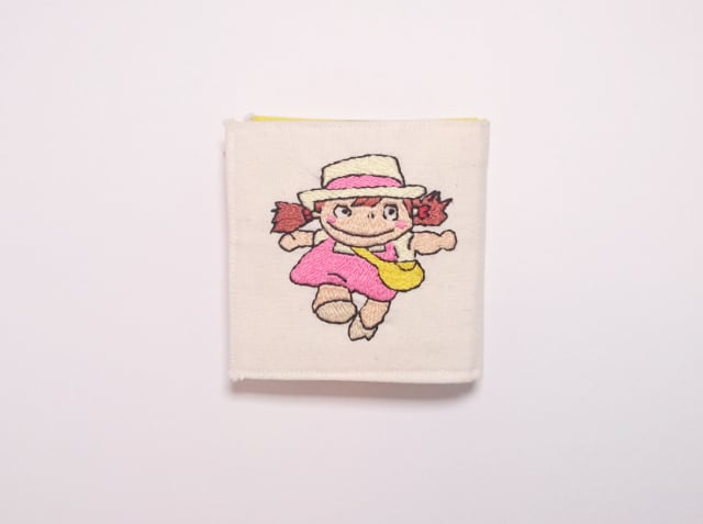 トトロのメイ刺繍のニードルブック