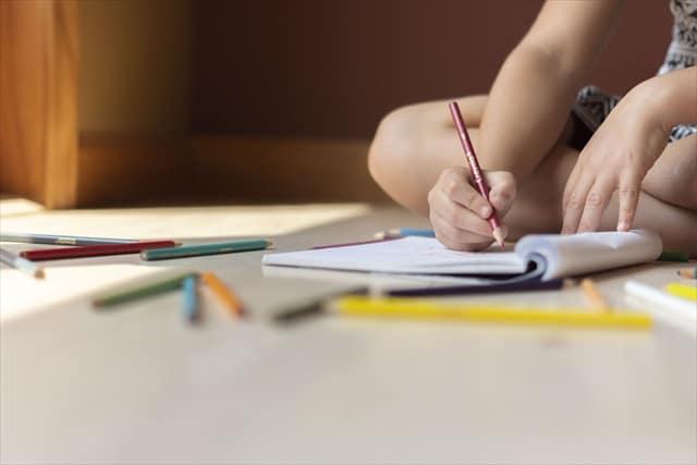 宿題以外にも勉強した方がいい?家庭学習を始めるタイミングとおすすめ3つ
